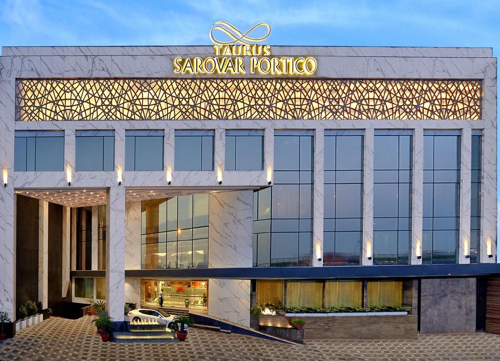 Taurus Sarovar Portico Hotel